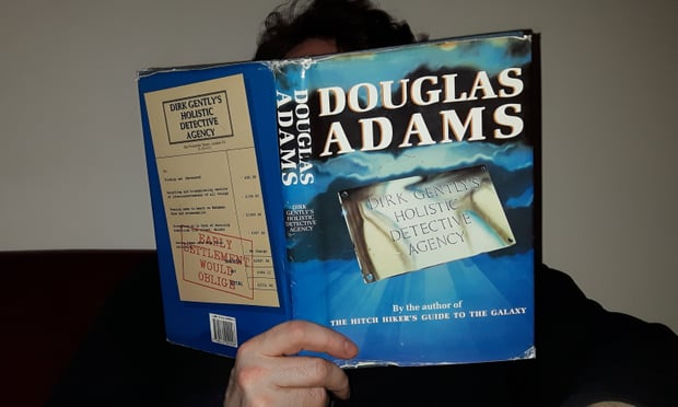 Reading Douglas Adams' Dirk Gently