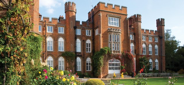 CUMBERLAND_LODGE_CROP